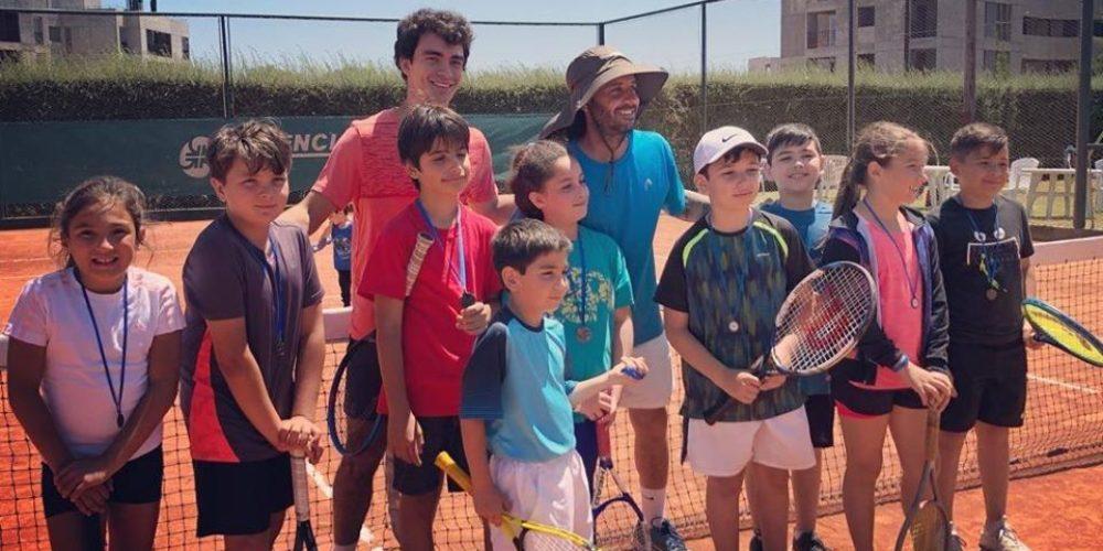 La Escuelita de Tenis participó de un torneo y obtuvo grandes resultados